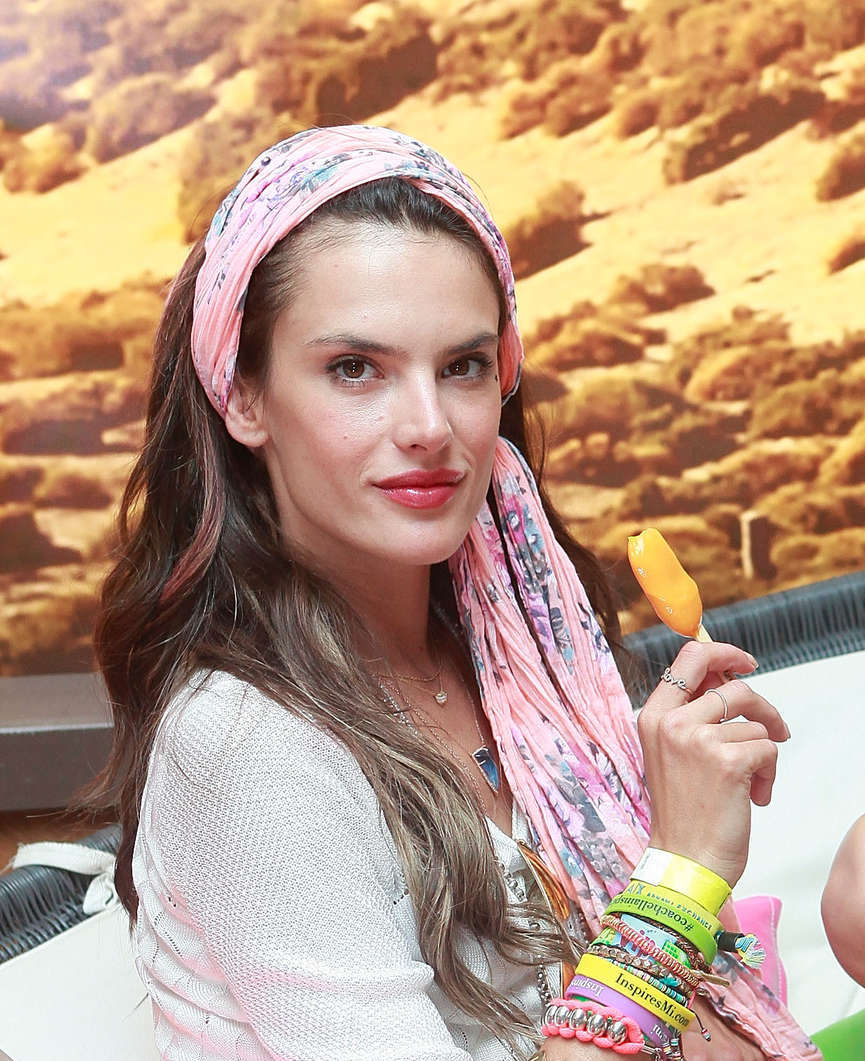 Alessandra-Ambrosio-at-Coachella-2013-in-Indio--01